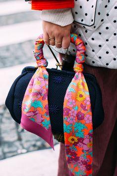 Best Street Style Details Of Paris Fashion Week - Fashion trends Urban Fashion, Diy Fashion, Fashion Bags, Ideias Fashion, Fashion Accessories, Fashion Jewelry, Womens Fashion, Fashion Design, Fashion Trends