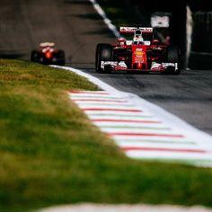 #enlapistadotcom #Repost @scuderiaferrari  Fight tight. #ItalianGp #Seb5 #Kimi7 #ScuderiaFerrari #RedSeason #F1 #Ferrari #PrancingHorse #SF16H