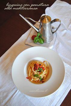 Linguine con panatura mediterranea Puoi vedere la ricetta cliccando qui (http://noodloves.it/linguine-panatura-alla-mediterranea/)
