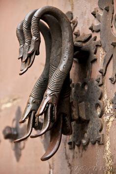 Door | ドア | Porte | Porta | Puerta | дверь | Details | 細部 | Détails | Dettagli | детали | Detalles | Spain