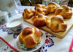 Fonott briós | Molnàrné Fábián Anett receptje - Cookpad receptek Bread Dough Recipe, Challah, Pretzel Bites, Cake Recipes, French Toast, Bakery, Rolls, Cookies, Breakfast