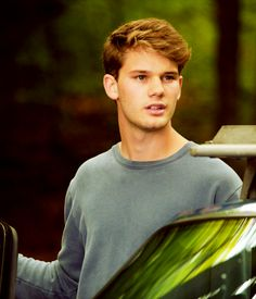 Jeremy Irvine// Hey I'm Jackson, I'm 17, I usually hang out the Gallagher's despite how that usually ends me up in trouble. Kiera is my older sister