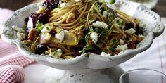 Spaghetti with Goat's Cheese, Beetroot and Chicory Beetroot, Goat Cheese, Pasta Recipes, Spaghetti, Autumn, Vegetables, Ethnic Recipes, Food, Fall