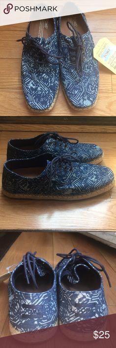Men's Toms canvas shoes Brand new Tom's men Camino shoes.  Color: blue batik textile  Size: 7.5 men's With tags, but no box Toms Shoes Sneakers