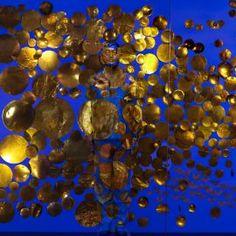 Né en Chine en 1973, Liu Bolin vit et travaille en Chine  Initialement sculpteur, Liu Bolin fait p...