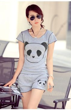 I would wear this outfit for a jogging session, it`s so cute and would make me push it further than usual Korean Fashion Winter, Korean Girl Fashion, 80s Fashion, Trendy Fashion, Fashion Models, Vintage Fashion, Fashion Outfits, Fashion Black, Style Fashion