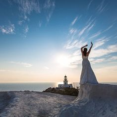 Book a Santorini photo shoot by Santorini photographer Alexander Hadji about the island & will make sure you will get the most out of your Santorini photo shoot! Crazy Wedding Photos, Santorini Photographer, Santorini Wedding, Greek Islands, More Photos, Light In The Dark, Statue Of Liberty, Wedding Day, Photoshoot