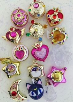 anime, anime girl, and sailor moon image Kawaii Accessories, Kawaii Jewelry, Cute Jewelry, Sailor Moon Art, Sailor Moon Crystal, Sailor Moon Brooch, Sailor Moon Makeup, Kawaii Cute, Kawaii Anime