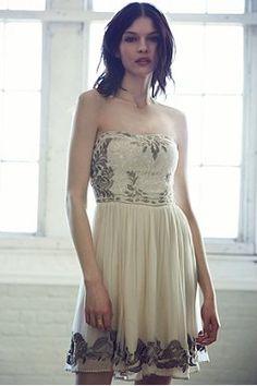 Kimchi Blue Thumbelina Strapless Dress