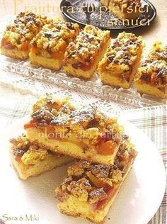 Pin on Bread pudding Romanian Desserts, Romanian Food, Romanian Recipes, Yummy Treats, Delicious Desserts, Sweet Treats, Home Food, Food To Make, Deserts