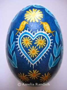 This pysanka was loosely adapted from a diasporan design featured in Ukrainian Easter Eggs and How We Make Them . Egg Crafts, Easter Crafts, Easter Egg Pattern, Carved Eggs, Easter Egg Designs, Ukrainian Easter Eggs, Diy Ostern, Egg Art, Egg Decorating