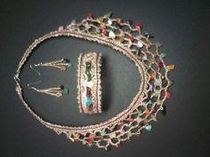 Collar, pulsera y pendientes de lino con piedras naturales  Realizados en encaje de bolillos