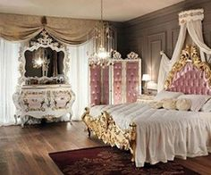 Not sure I would actually have this in my house but I would definitely feel like a princess if that was my room!