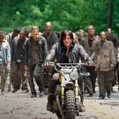 I really want walking dead to come back on