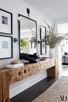 Kerry Washington turns a bleak apartment into a cozy family home – architect … house The post Kerry Washington turns a bleak apartment into a cozy family home – architect appeared first on Woman Casual - Home Inspiration Home And Living, Home And Family, Small Living, Modern Living, Living Room Decor, Living Spaces, Living Room With Mirror, Dark Floor Living Room, Wood Furniture Living Room