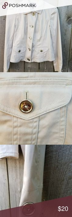 Jones New York khaki silver button jacket stretch This beautiful jacket has been worn a few times but is in excellent condition.  The bust measures at 16 inches across and the length is 23 inches Jones New York Jackets & Coats