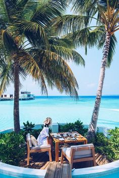 Breakfast with ocean view