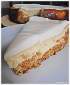 Where has this been all my life??? The only 2 cakes I really like in one!!! OHHHHH TARA!!!! Carrot Cake Cheesecake - Perfect Easter desert