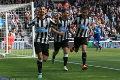 Newcastle Arsenal: Ritchie's strike helps Toon down Gunners Newcastle United Fc, Dwight Gayle, St James' Park, Football Soccer, The World's Greatest, Arsenal, Victorious, Running