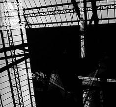 Fotoforma, estação da Luz, São Paulo, Brasil, c. 1949 Fotografia em papel de gelatina/prata (superposição de imagens no fotograma) Tiragem em 2006 Acervo Sesc de Arte Brasileira Imagem faz parte da exposição Geraldo de Barros e a fotografia, no IMS Rio ***DIREITOS RESERVADOS. NÃO PUBLICAR SEM AUTORIZAÇÃO DO DETENTOR DOS DIREITOS AUTORAIS E DE IMAGEM***