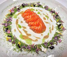 Salmon tataki salmon roe green panko soil creamy sesame and wasabi dressing edible flowers. The salmon speaks volumes on this dish #artofplating #gastronomy #chefspecial #chefsoninstagram #chefstalk #ChefsOfInstagram #theartofplating #gourmetartistry #chefofinstragram #chefsroll#gastroart #worlds50best #gastronomynews #dontshootthechef #chefsteps #foodstarz_official by chefsafi