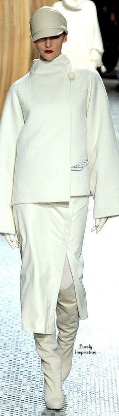 Hermès Fall 2011 Ready-to-Wear Fashion Show Couture Fashion, Runway Fashion, Fashion Show, Fashion Outfits, Womens Fashion, Fashion Design, Fashion Trends, Hermes, White Chic