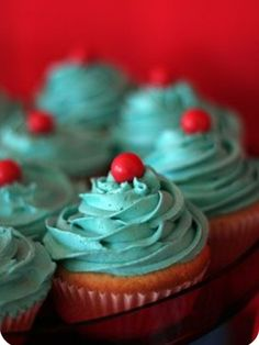 Red Cupcakes, Yummy Cupcakes, Cupcake Cakes, Valentine Cupcakes, Rose Cupcake, Christmas Cupcakes, Cup Cakes, Cupcake Toppers, Azul Tiffany