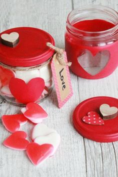 You asked about valentine gifts ideas, so I created this checklist of the most practical valentine gifts suggestions out there. Handmade Valentine Gifts, Friend Valentine Gifts, Valentine Gifts For Kids, Diy Valentine, Valentines Gifts For Boyfriend, Gift Suggestions, Diy Canvas Art, Things To Sell, Friends