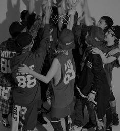 K-POP: EXO - XOXO (Kiss&Hug) (Photoshoot)