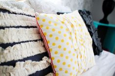 I want to make these throw pillows. Too Cute!