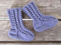 Knitting Socks, Baby Knitting, Knit Baby Dress, Boot Cuffs, Diy And Crafts, Knit Crochet, Baby Kids, Threading, Knit Socks