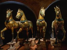 """Horses of Saint Mark."" Bronze. Attributed to the Greek sculptor Lysippos, 4th century BCE. Venice, Basilica of St. Mark./ "" Caballos de San Marcos "". Bronce . Atribuido al escultor griego Lisipo , 4to siglo BCE . Venecia , la Basílica de San Marcos."