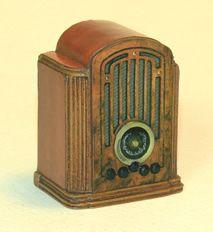 Miniature 1935 RCA Tombstone Radio