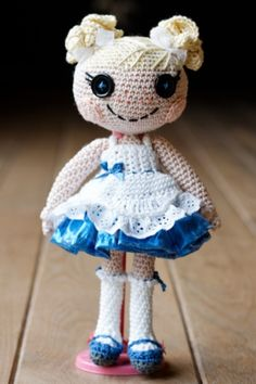 Free patterns for dolls like this! ~ Amigurumi, crochet and sewing