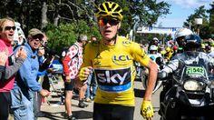 Froome corriendo sin su bicicleta en el Mont Ventoux,tour 2016,para salvar su liderato