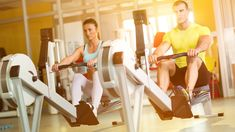 Fit couple on row machine in gym Health Goals, Health Tips, Health And Wellness, Health Fitness, Healthy Lifestyle Tips, Muscle Groups, Health Education, How To Stay Motivated, No Equipment Workout