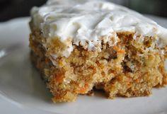 Bolo de Abacaxi Cenoura e nozes Cupcake Recipes, Cookie Recipes, Cupcake Cakes, Dessert Recipes, Butter Cupcakes, Apple Recipes, Sweet Recipes, Apple Spice Cake, Apple Pie