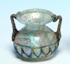 A Roman Glass Jar with Thread Decoration ( < Auctions < Archaeological Center Roman Artifacts, Ancient Artifacts, Antique Bottles, Antique Glass, Glass Vessel, Glass Jars, Ancient Rome, Ancient History, Art Romain
