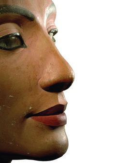 Thutmose_detail of Bust of Nefertiti_1345 BC Egyptian Museum, Berlin