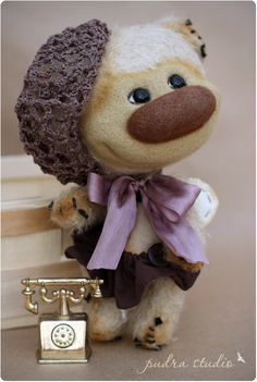"Petrute from ""Pudra studio"".  Artist teddy bears by Irma Papeikaite."