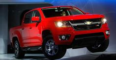 General Motors told dealers Friday to halt shipments of new mid-sized pickup trucks over air bag issues.