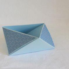 Vide poche en origami, triangulaire, océan bleu et ses vagues
