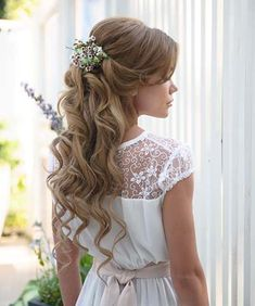 Best Ideas For Bridal Updo Beach Flower Crowns Communion Hairstyles, Tiara Hairstyles, Cute Girls Hairstyles, Best Wedding Hairstyles, Flower Girl Hairstyles, Braided Hairstyles, Half Up Wedding Hair, Beach Wedding Hair, Bridal Updo