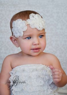 Baby girl headband by ChiclyHooked  #photography #baby #fashion