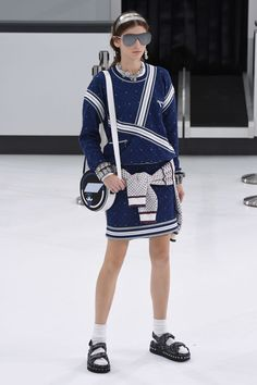 Chanel | Spring 2016 | Look 40