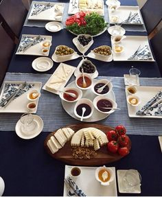 Dinner Table Setting For 2 Breakfast Presentation, Food Presentation, Breakfast Platter, Turkish Breakfast, Food Design, Design Table, Menu Design, Arabic Food, Turkish Recipes
