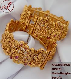 Jewelry OFF! <br> floor above hotel Srinidhi sagar main road Vijaynagar Bangalore India. Gold Bangles Design, Gold Earrings Designs, Gold Jewellery Design, Gold Jewelry Simple, Indian Wedding Jewelry, India Jewelry, Indian Gold Bangles, Bangalore India, Traditional