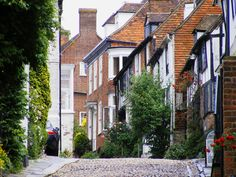 A lovely view of Mermaid Street.