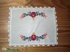 5bfe3a4512 A(z) Hímzés nevű tábla 50 legjobb képe | Embroidery patterns ...