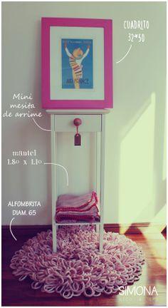 Mesita de Arrime + Alfombra + Cuadro Vintage + Mantel